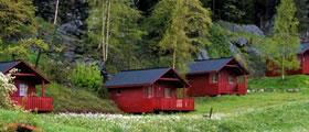 Vassel Gård, Herand, hytter og camping